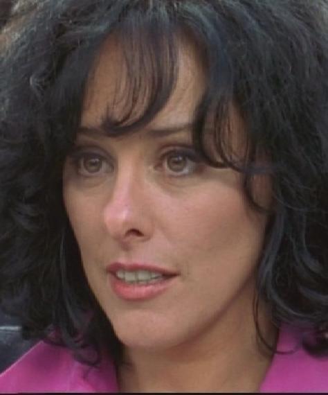 Patricia Kell dans Une femme d honneur   Femmes d occasion 1271d0c4028
